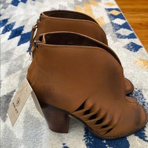 NWT Ariat Booties size- 8.5